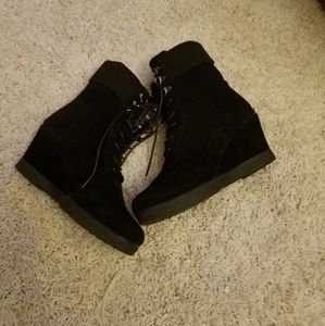 CA collection wedge boots